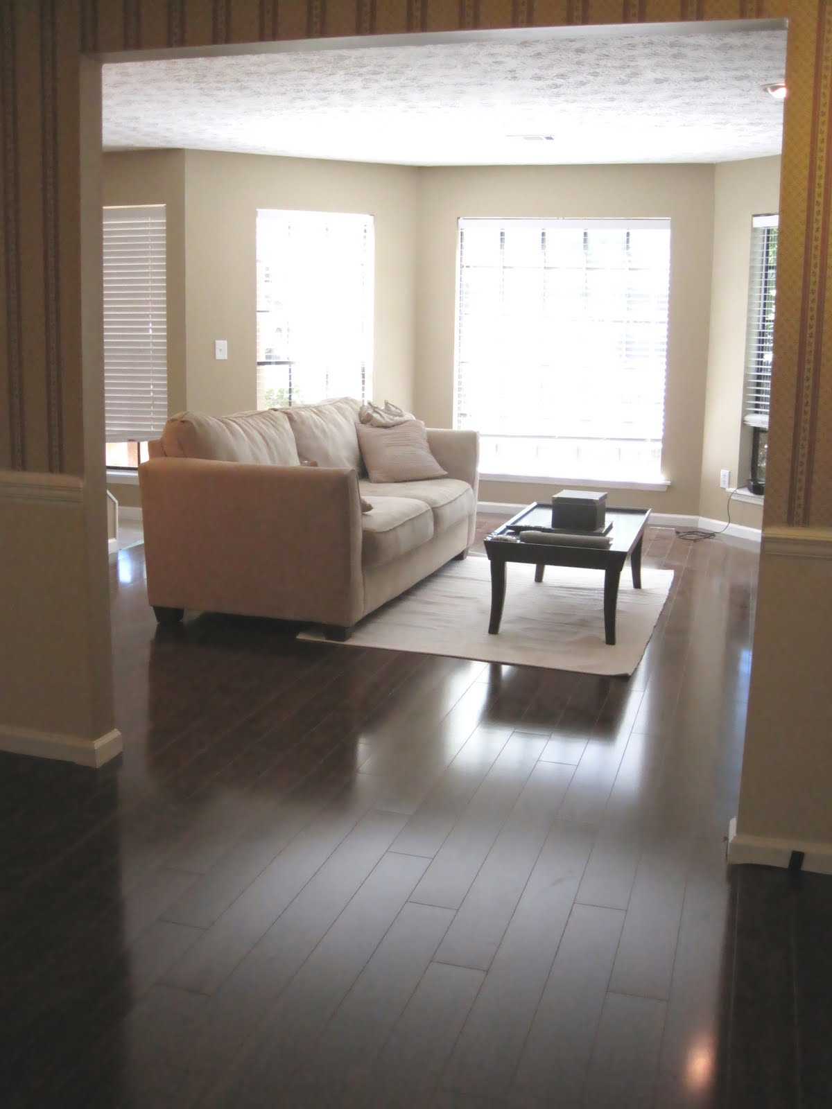 Flooring Reveal Living And Dining Rooms Ugly Duckling