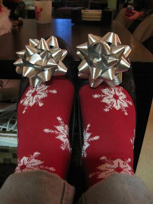 Holiday Feet and A Cute Idea