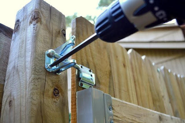 Installing A Gate Latch Ugly Duckling House