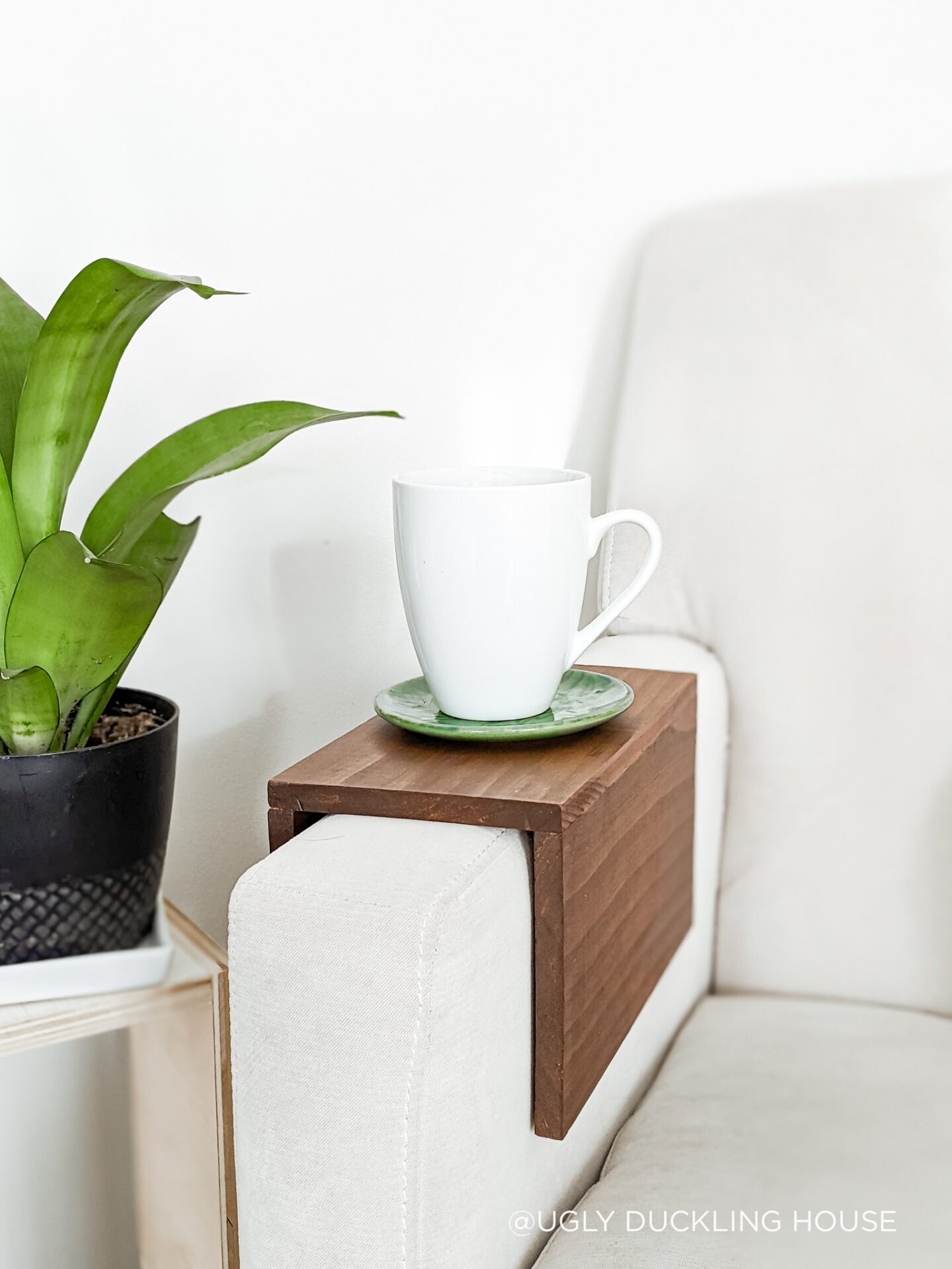diy sofa armrest tray table-1