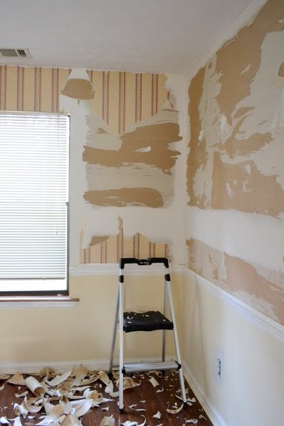 When You Are Dealing With Repairing Damaged Drywall After Wallpaper Removal There Are A Number Of Things You Have To Stay On Top Of