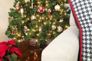 caulking around christmas tree