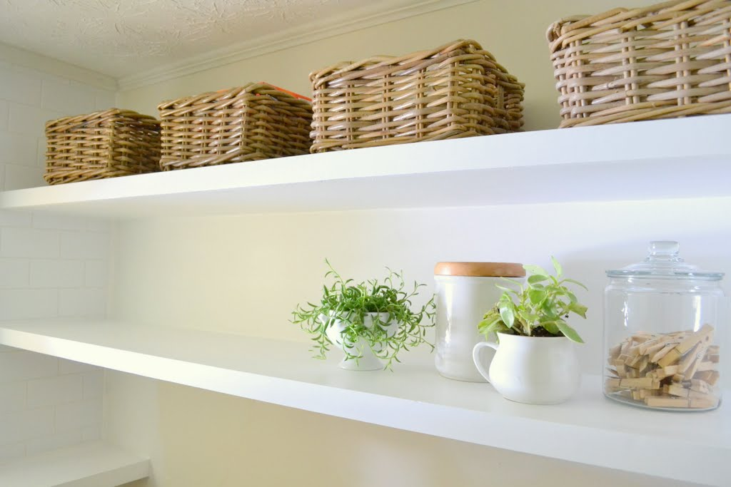 sports shoes 82c9b f8b3f Finally! How to Create Long, Deep Floating Shelves that Aren ...