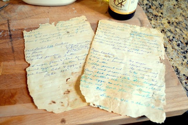 old handwritten recipe cards