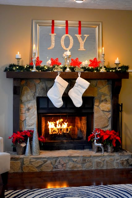 2011 holiday mantel