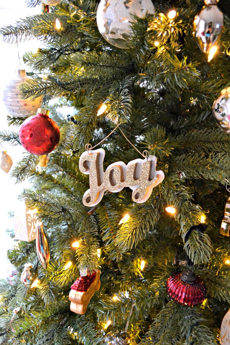 All That Glitters: Christmas Closeups