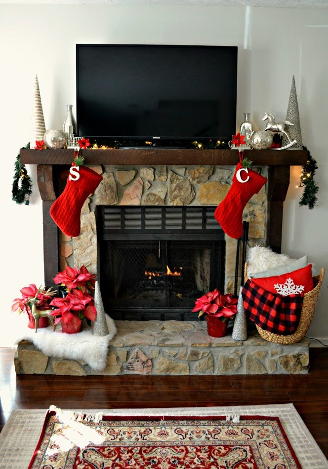 2015 christmas mantel