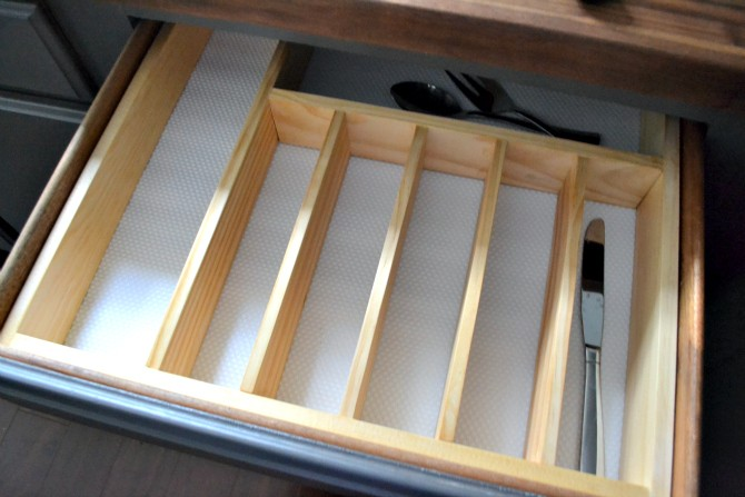 silverware drawer organizer empty