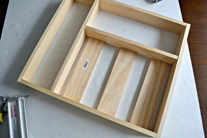silverware drawer organizer spacing