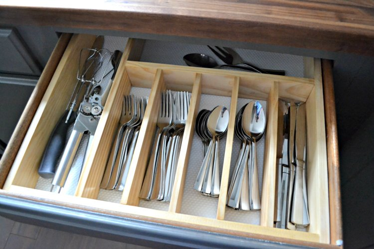 $10 to Organized: DIY Silverware Drawer Organizer - The ...