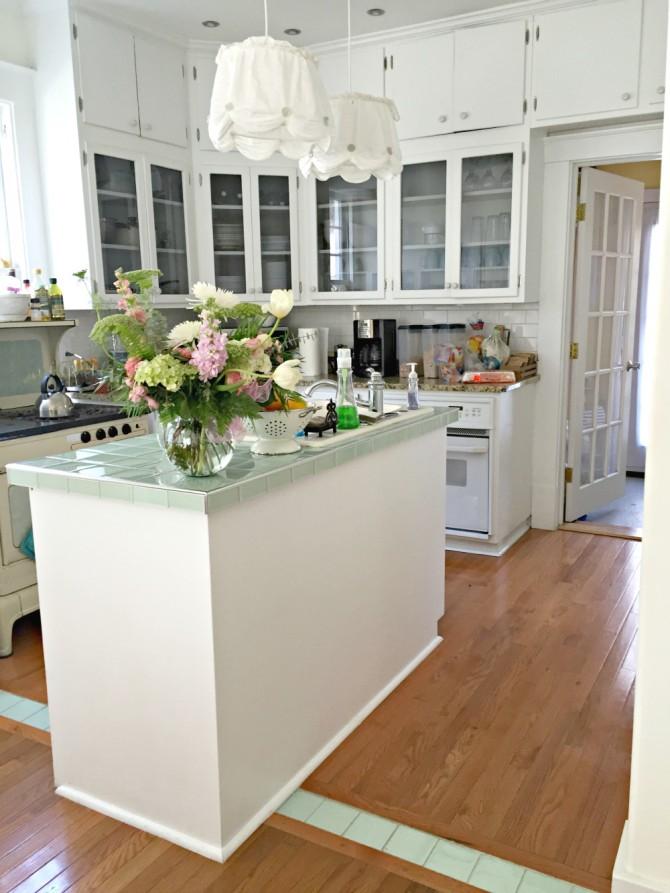Airbnb Savannah kitchen