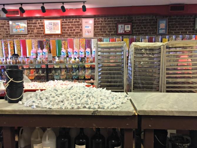 river street sweets savannah shop