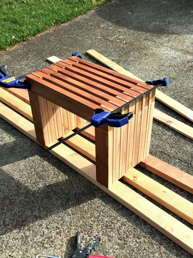 rustic modern outdoor garden bench | Modern Cedar Bench Seat - Great Outdoors Challenge DIY