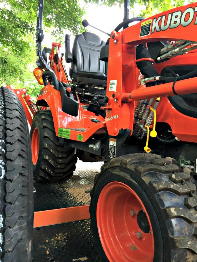 kubota tractor loader backhoe
