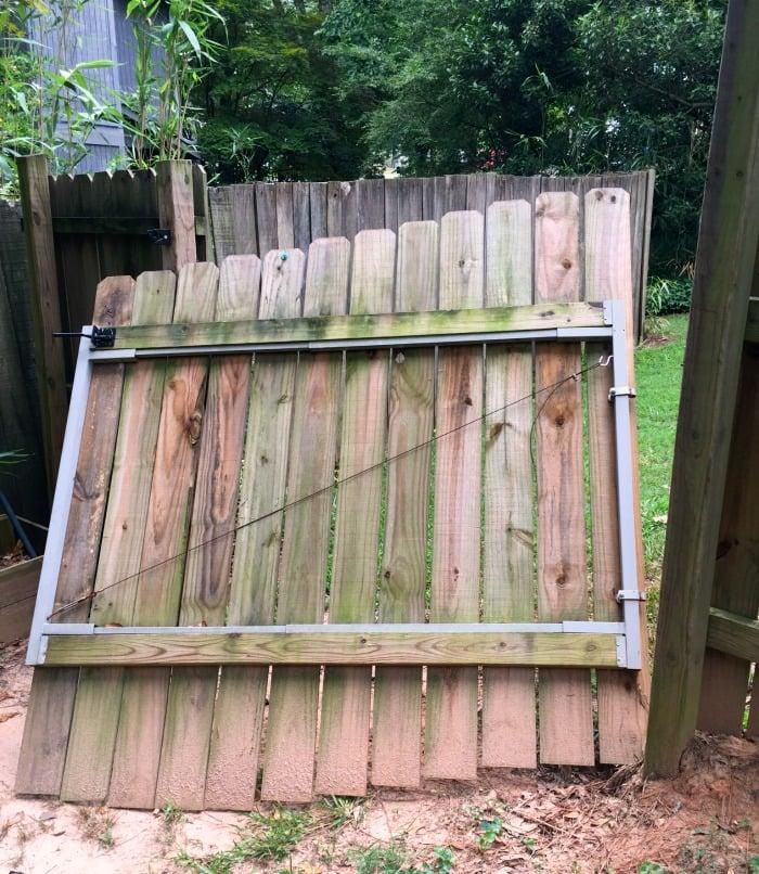 lifting up gate panel