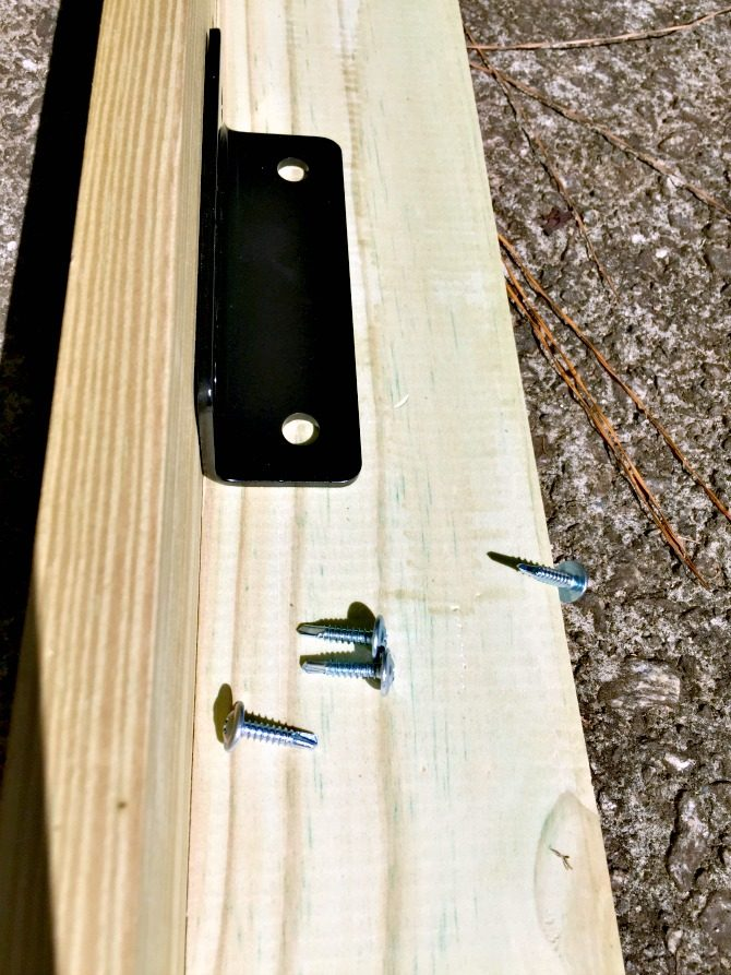 screws-and-corner-braces