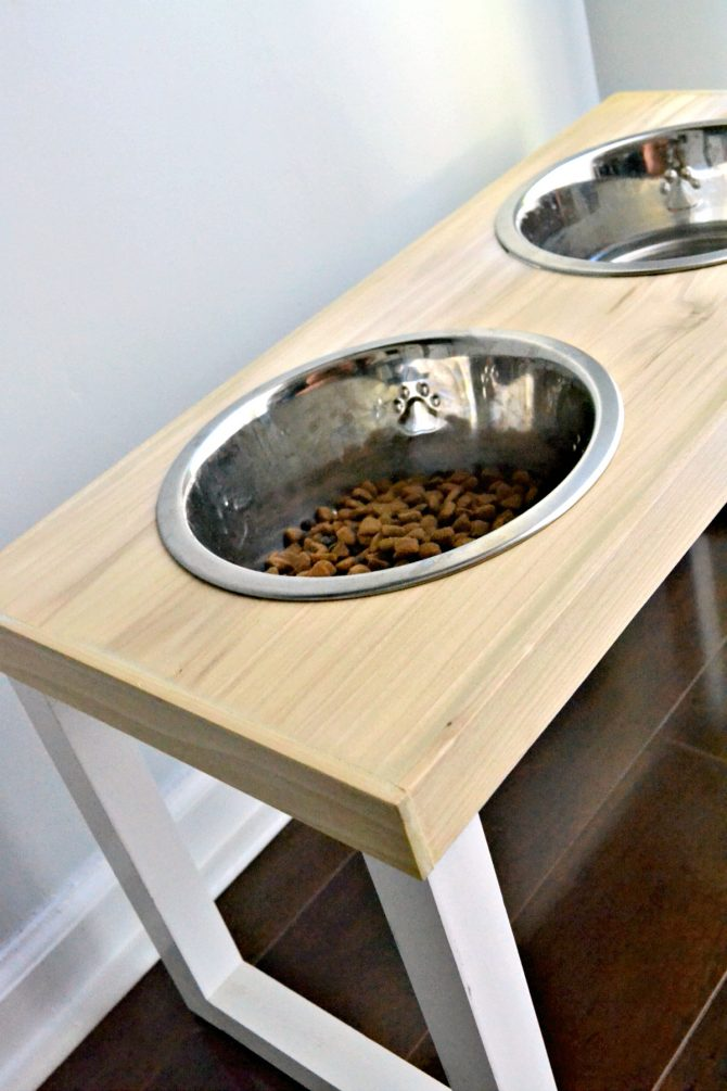 easy to build DIY dog feeder with full instructions