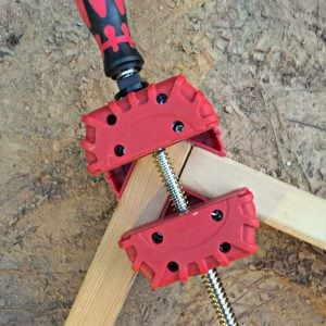 use-corner-clamps-to-form-frame