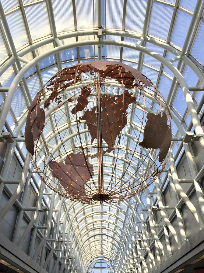 chicago-ohare-globe