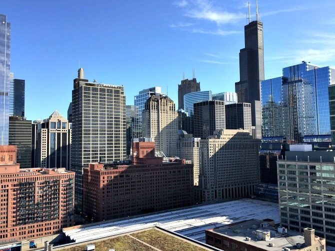 chicago-skyline-rooftop-view