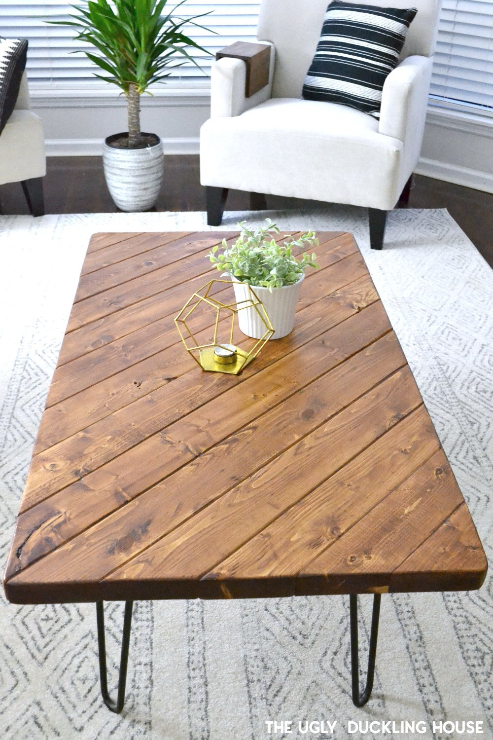 2x4 coffee table DIY - the ugly duckling house
