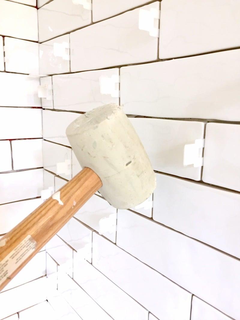 Ceramic tiles adhesive