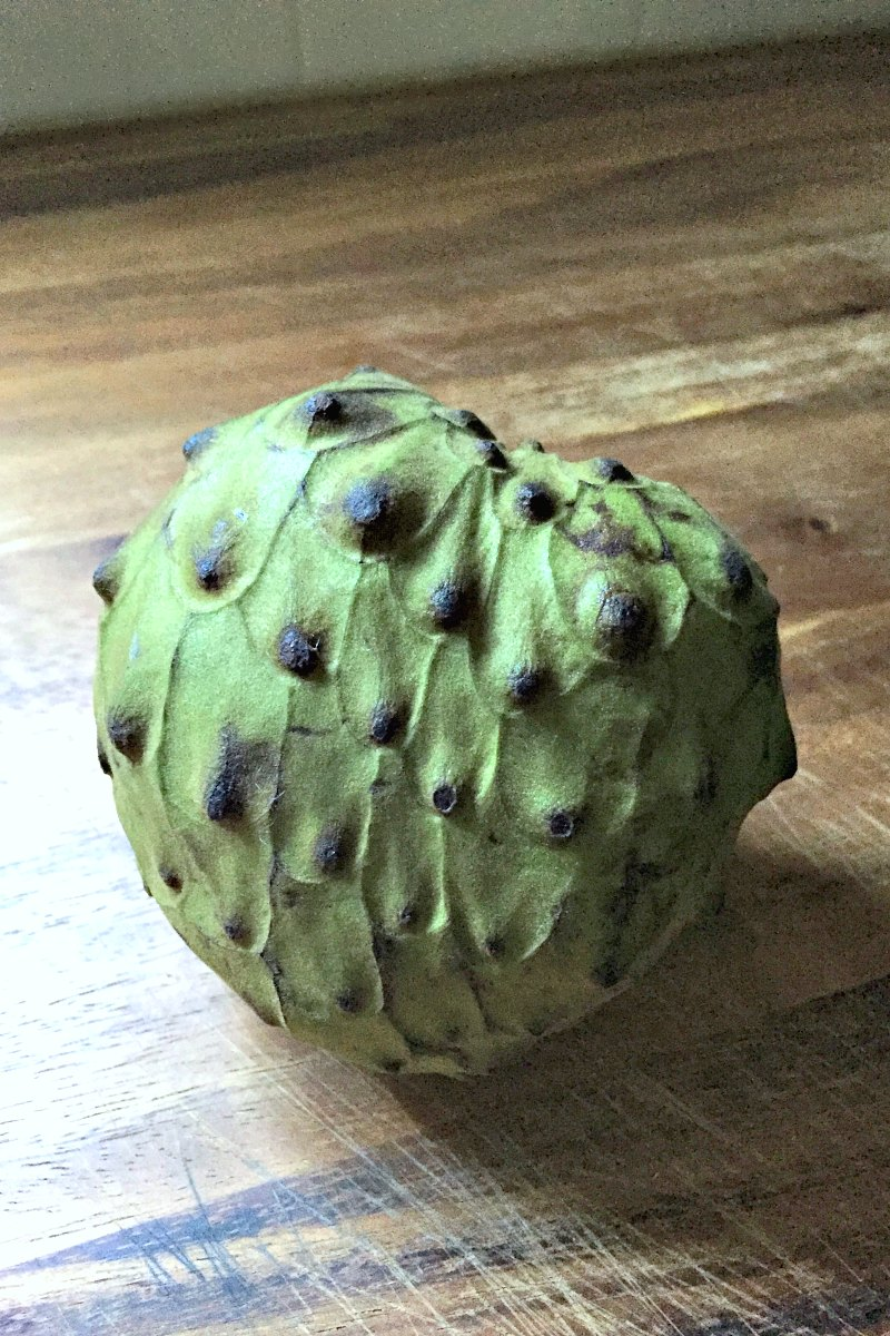 Trying Cherimoya + How to Quickly Peel Kiwi Fruit