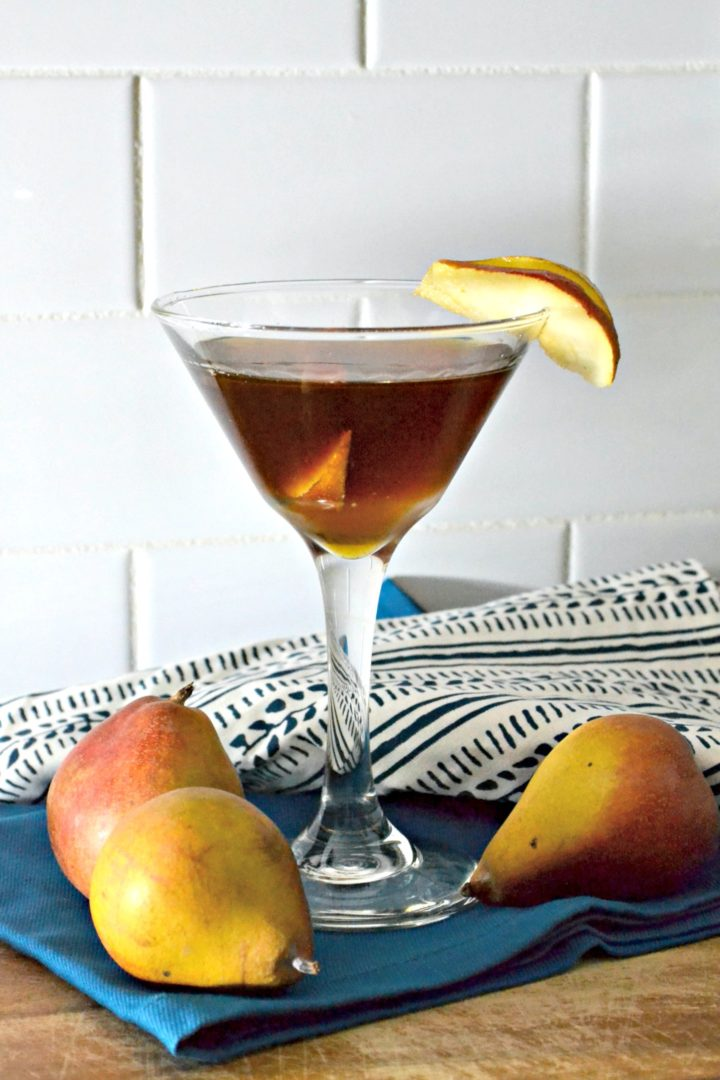 pear manhattan fall cocktail