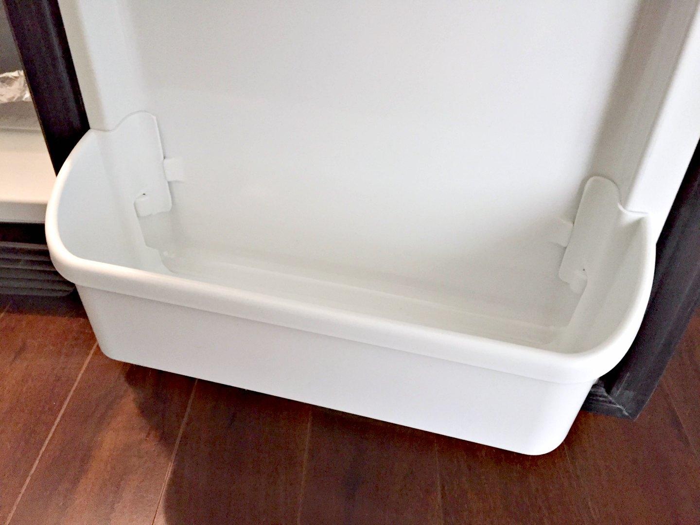 replacing bottom drawer in fridge