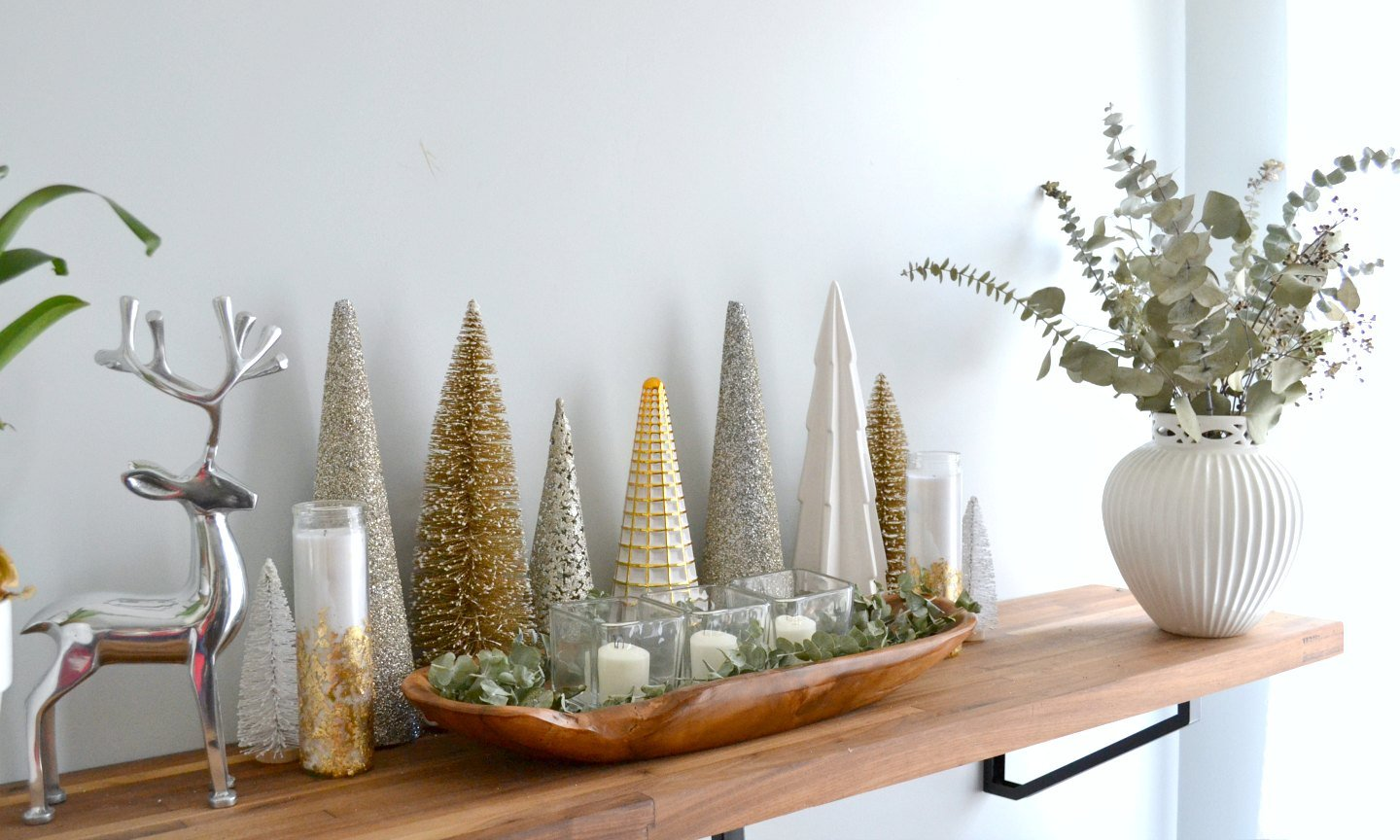 Neutral Christmas House Tour: Entryway and Kitchen • Ugly Duckling House