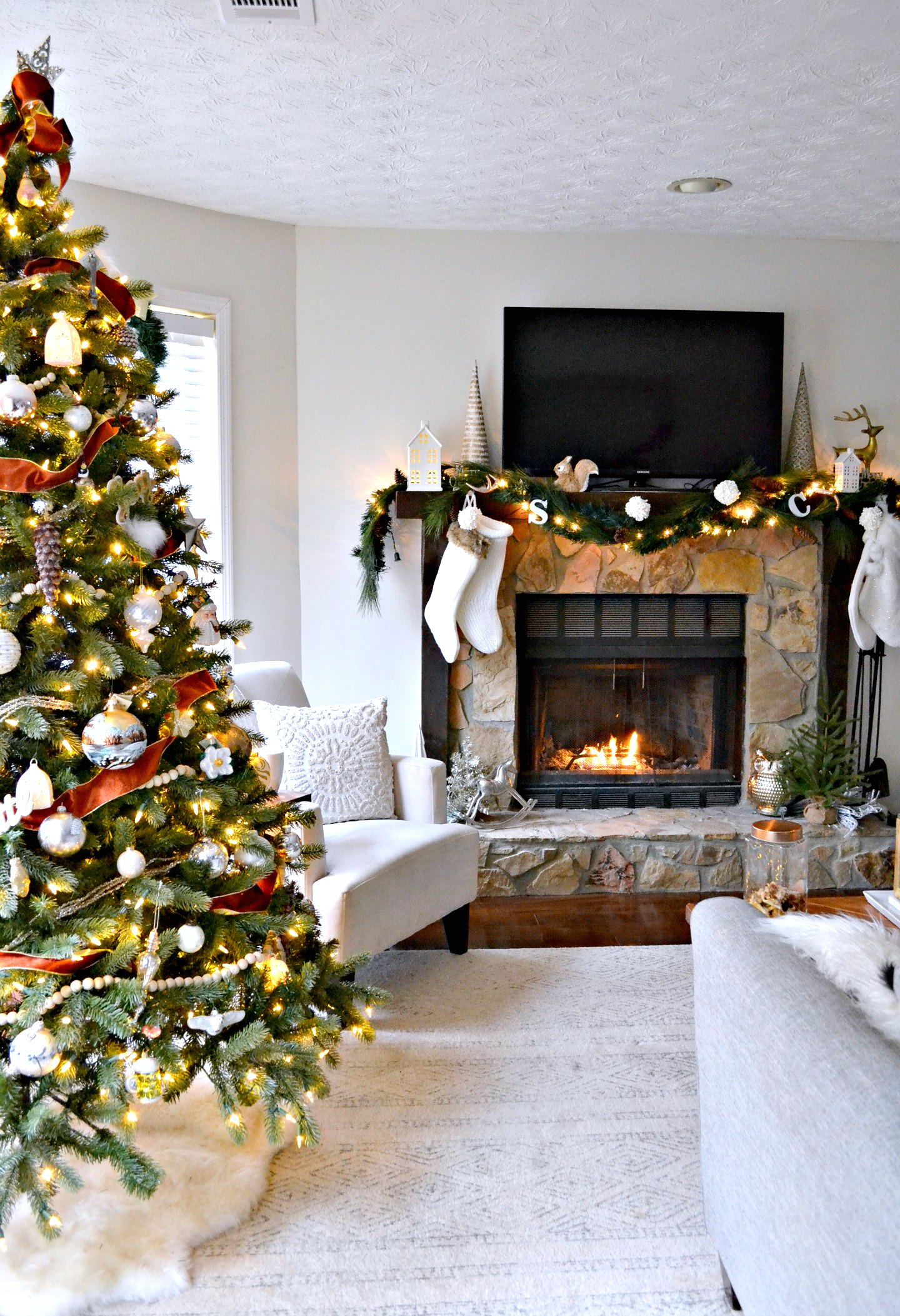 neutral christmas decor holiday home tour - living room