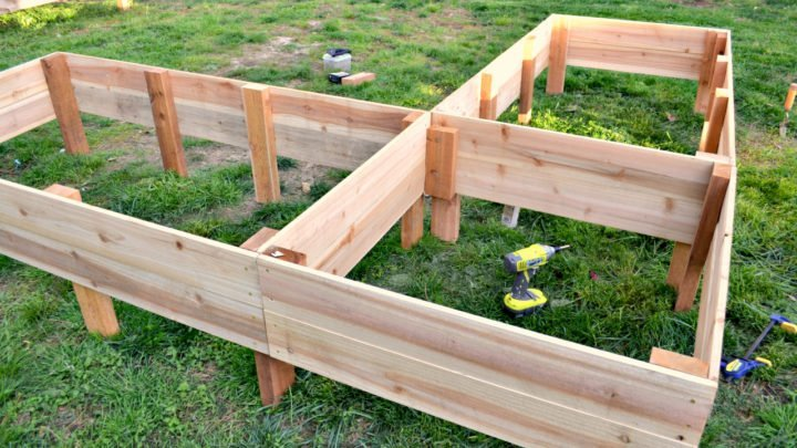 building L shaped vegetable garden beds