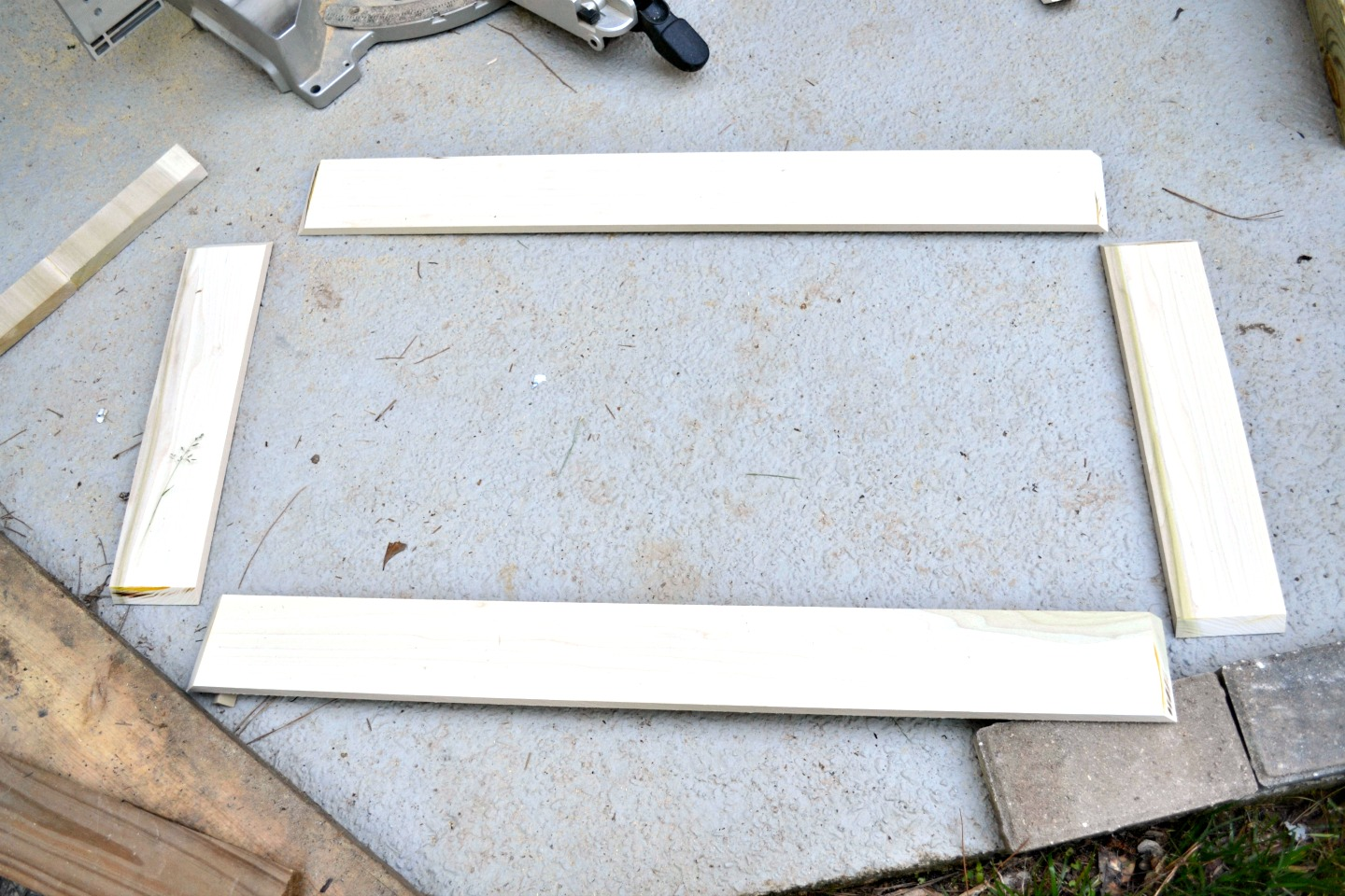 cut all 4 sides of tray at 45-degree miters