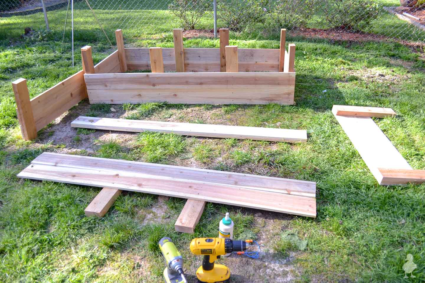 raised cedar garden bed for vegetable gardening
