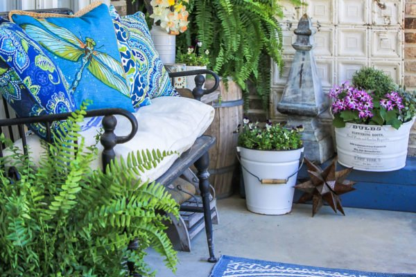 how to decorate the front porch for spring