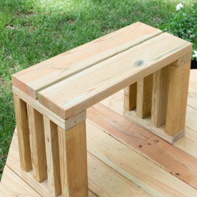 Scrap Wood Outdoor Bench Seat | DIY garden bench plans