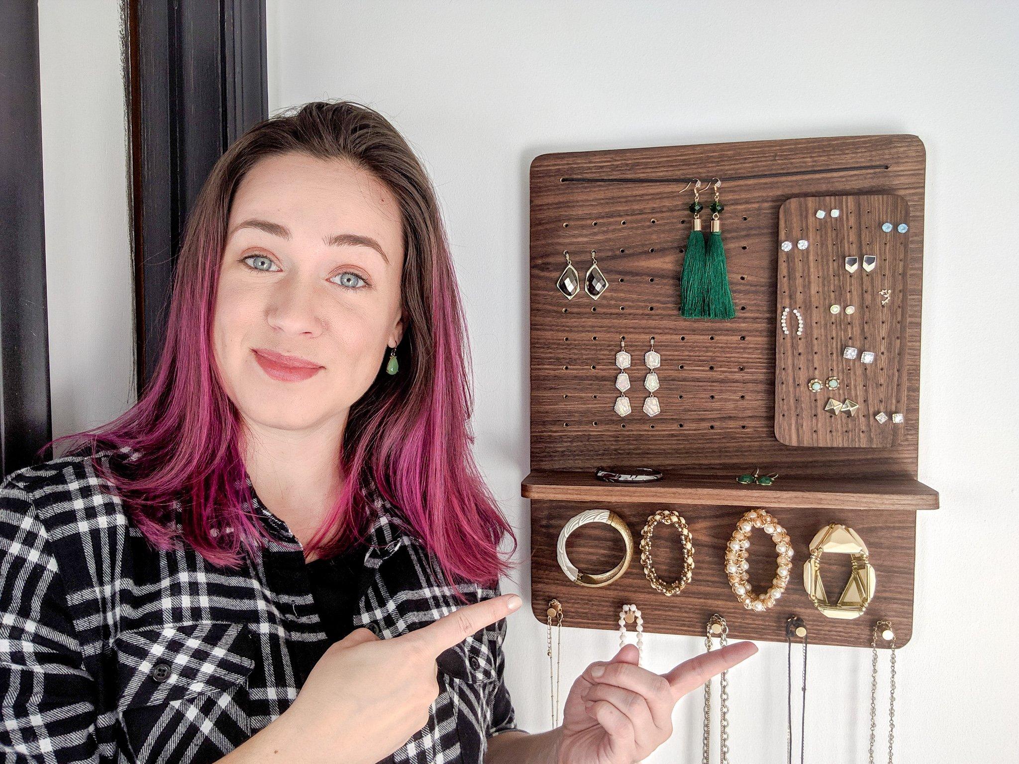 DIY Jewelry Organizer   Free Plans
