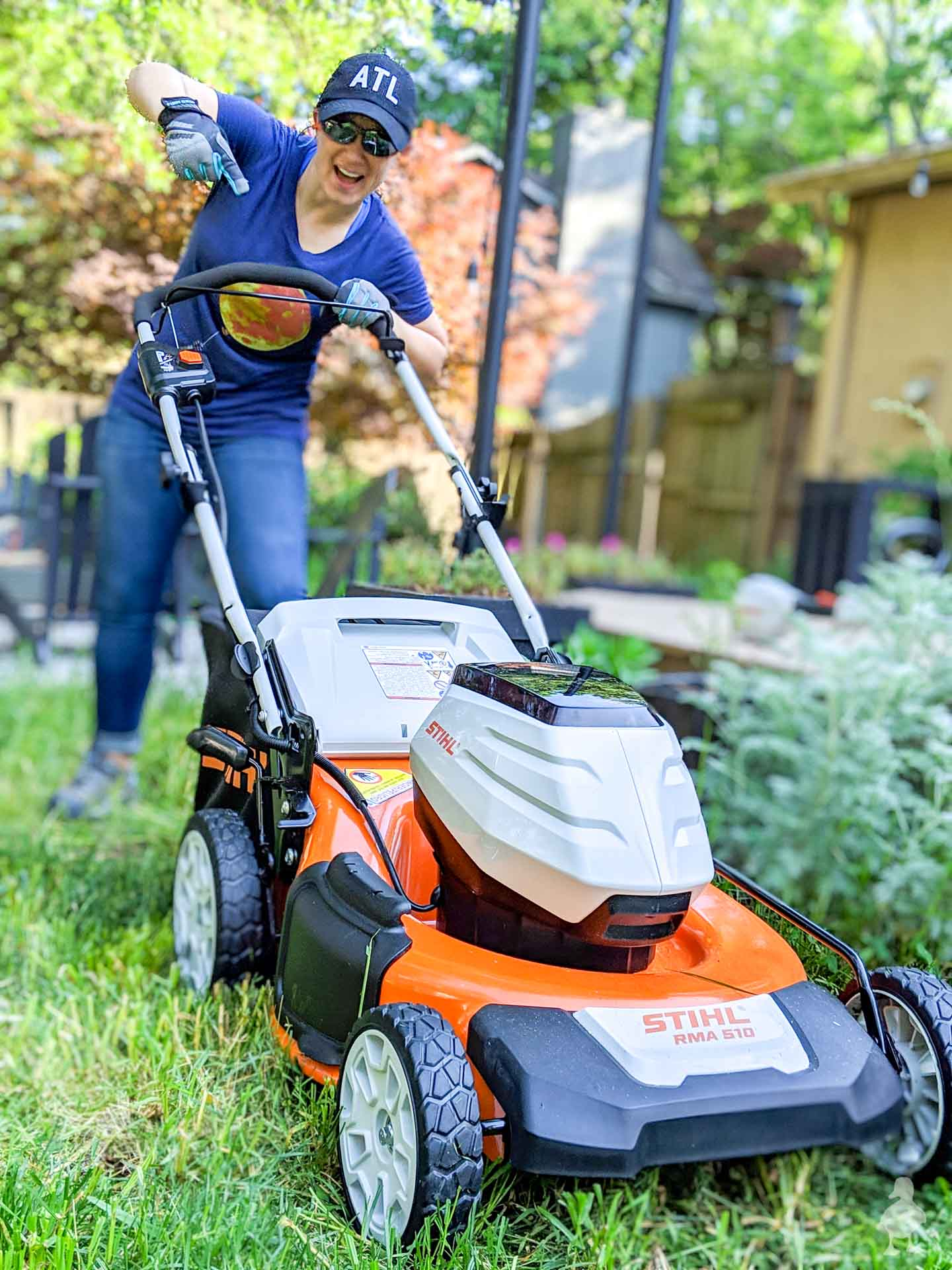 STIHL new battery mower in the back yard