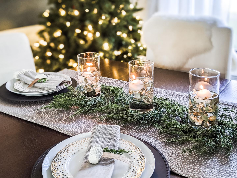 christmas dinner table setting for 2