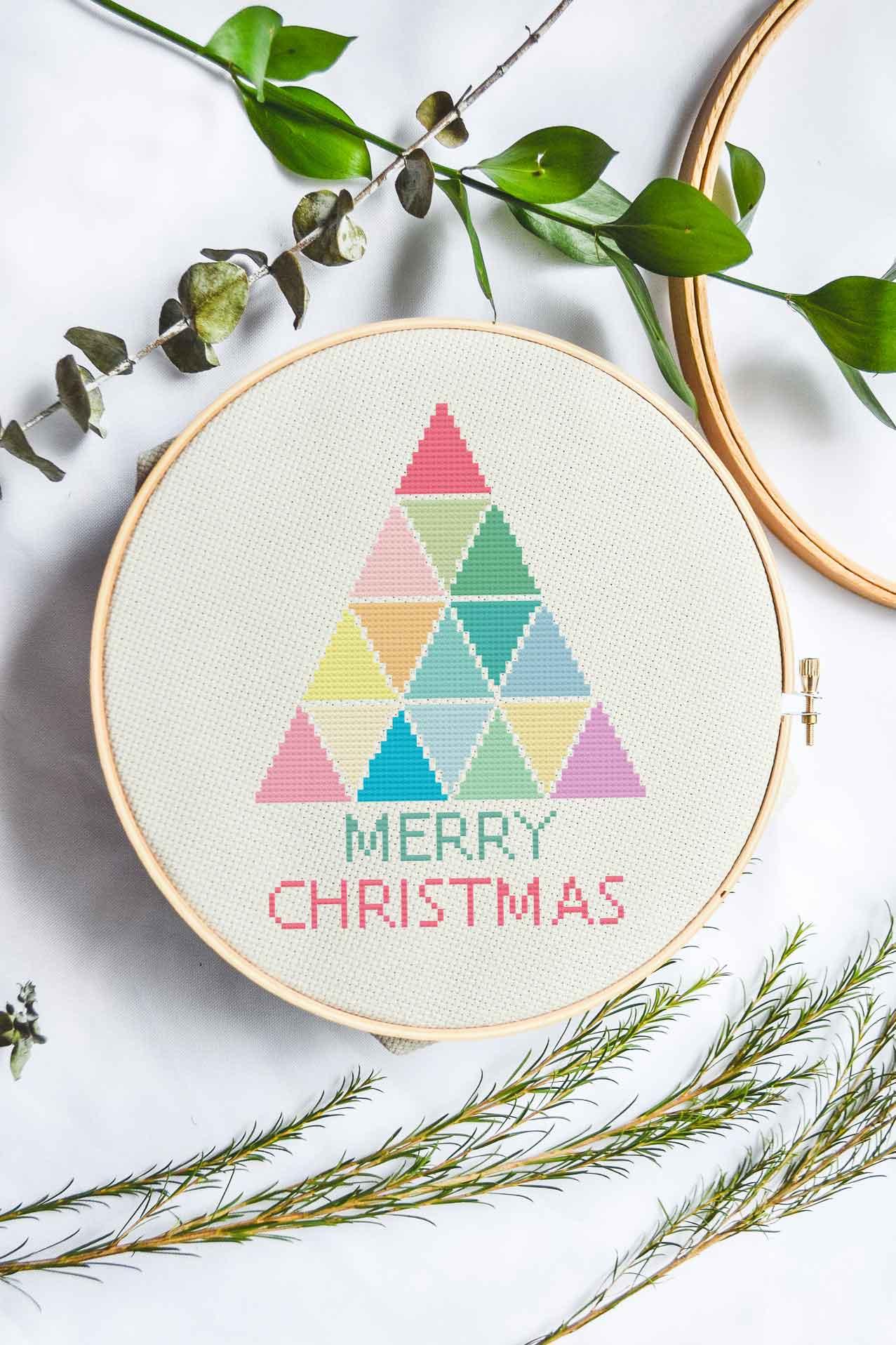 Rainbow Christmas Tree | Free Cross Stich Pattern