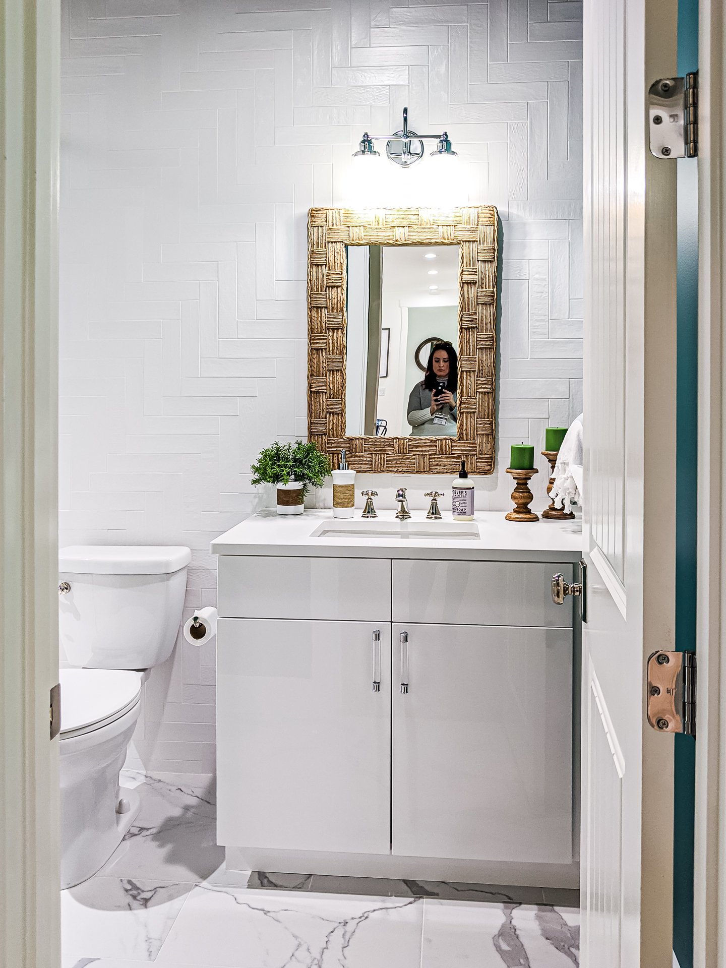 white coastal inspired bathroom