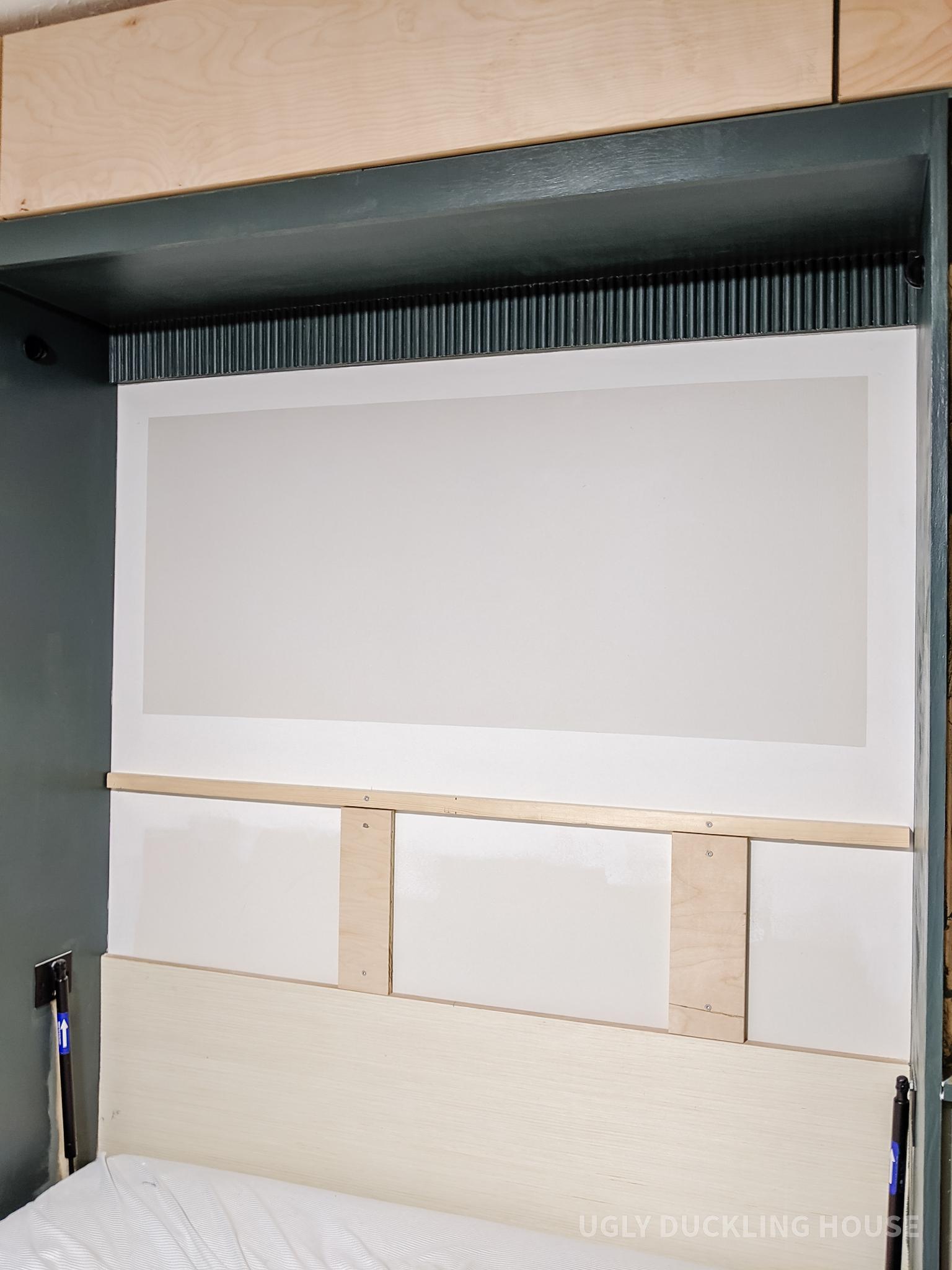 peindre une zone de blocs gris sur le mur