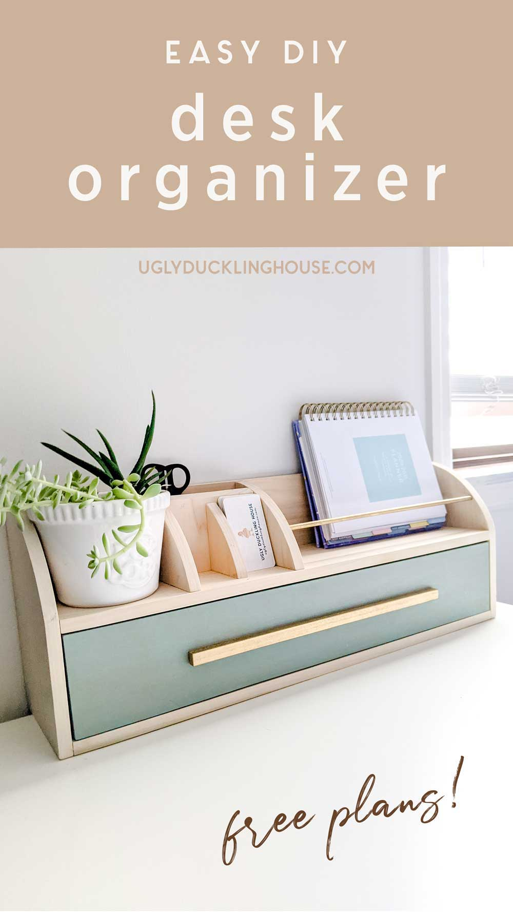 Easy-DIY-desk-organizer-Minwax-Vintage-Blue