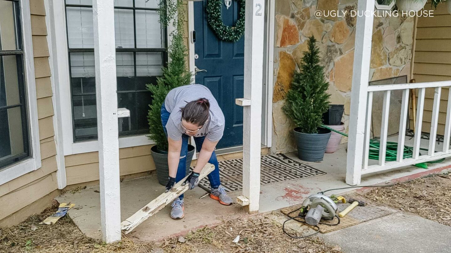 removing-carpenter-bee-damage-in-porch-railing-copyright-Ugly-Duckling-House-2